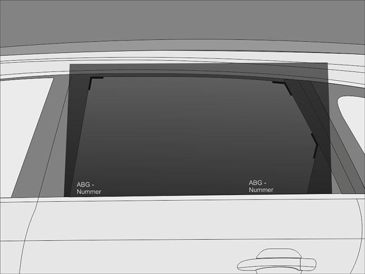 Vorbereitet und zugeschnitten wird von außen! Lege die Folie zunächst mit der Klebeschutzfolie nach außen und der ABG-Nummer nach unten zeigend auf die mit Montageflüssigkeit angefeuchtete Außenseite der Scheibe. Richte die Folie dabei so aus, dass sie mit der unteren Kante des zu tönenden Scheibenbereichs abschließt.