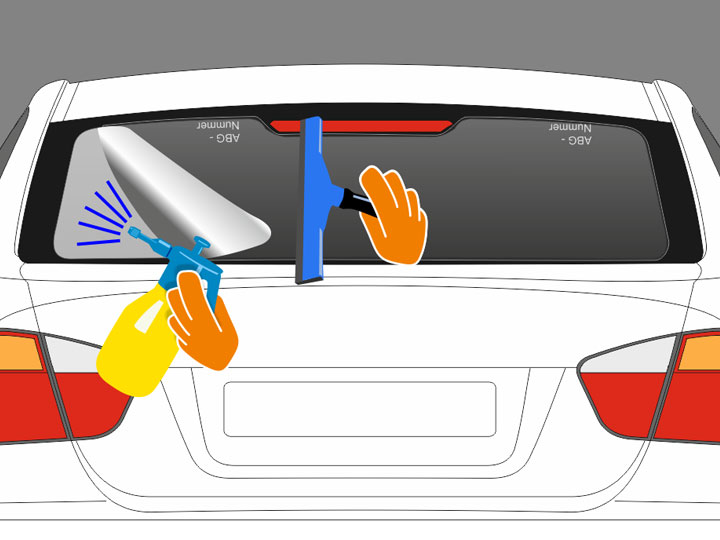 """Beachte dabei nur auf bereits gefönten Stellen und in die äußere Richtung (also unterhalb des horizontalen Streifens nach unten bzw. oberhalb dessen nach oben) zu rakeln um keine Knicke in der Folie zu erzeugen. Konzentriere die halbkreisförmigen Bewegungen auf einen Bereich von ca. 15 bis 20 cm und arbeite Dich stückweise vor. Wiederhole den Vorgang bis praktisch die gesamte Folienfläche ober- und unterhalb des horizontalen """"H""""-Streifens bearbeitet wurde und möglichst ganzflächig am Glas anliegt."""