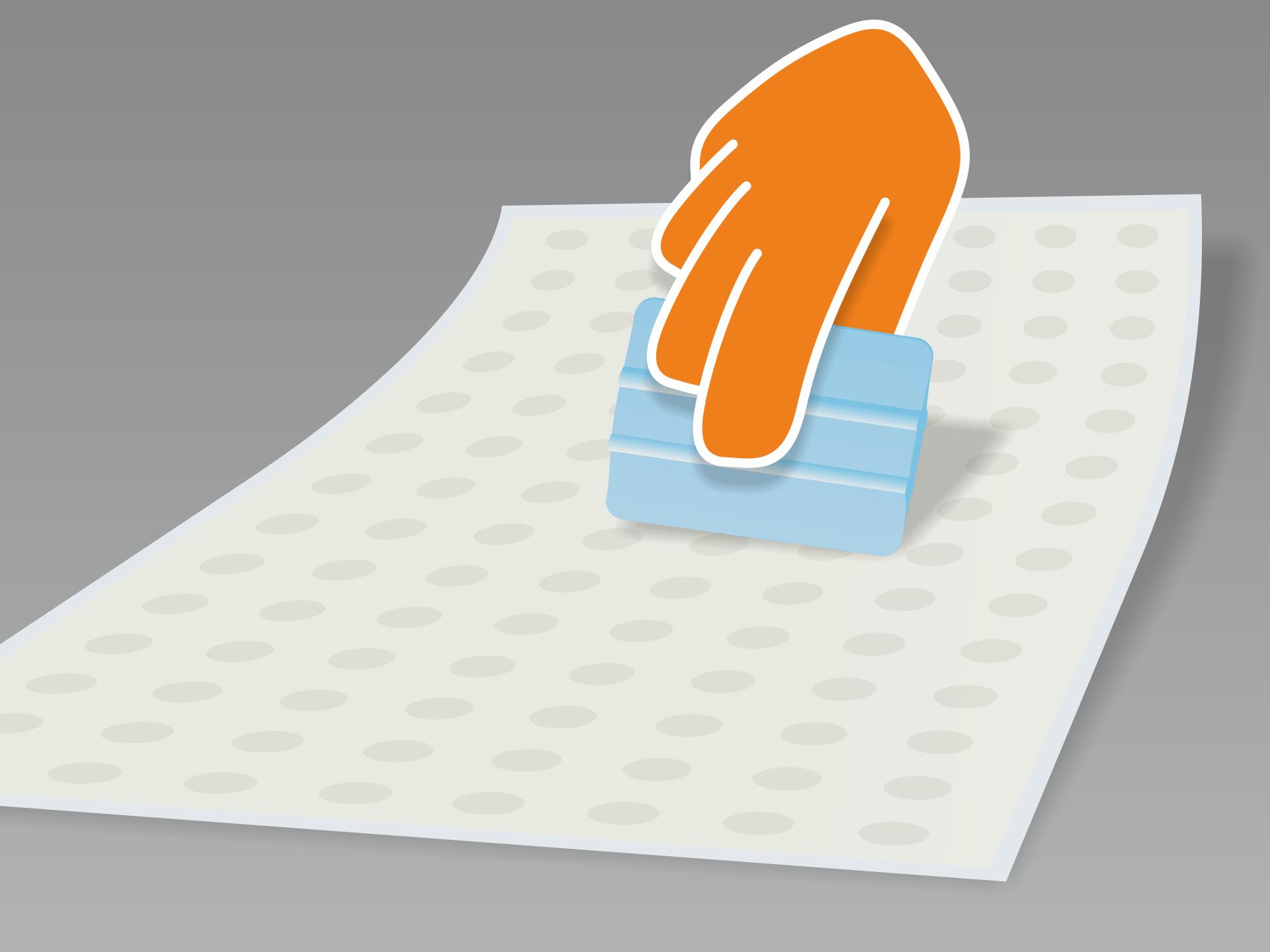Folie auf einer glatten, sauberen Fläche ausrollen und mit Hilfe des Rakels (oder Kreditkarte) mit festem Druck jeweils über Vorder- und Rückseite streichen.