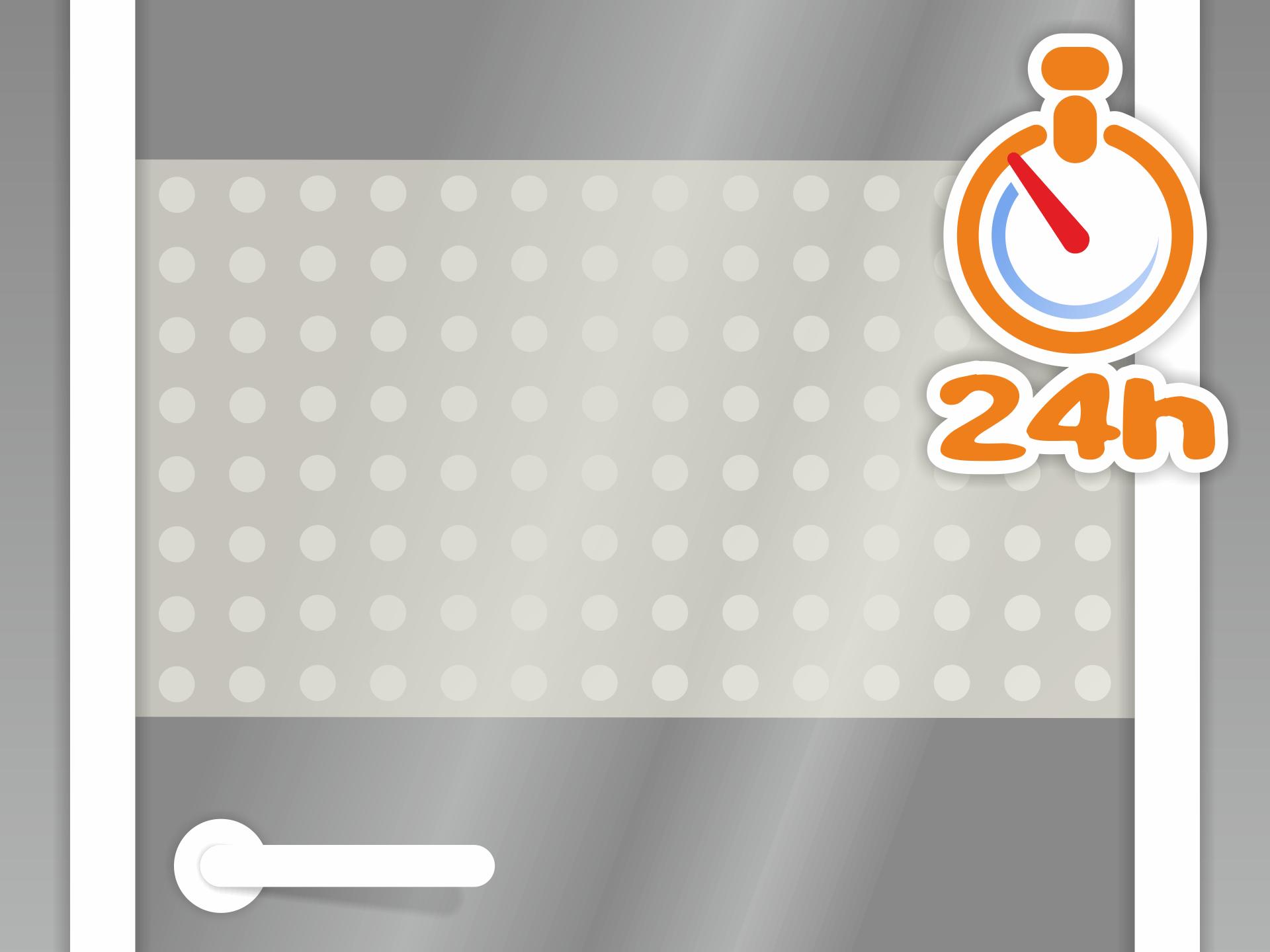 Jetzt sollte die Folie ca. 24h trocknen. Je nach Umgebungstemperatur kann die Trockenzeit leicht variieren. Sollte sich die Übertragungsfolie (wie in Schritt 8 beschrieben) nicht lösen lassen ohne dass das Muster auf dem Glas kleben bleibt, dann benötigt die Folie weitere Trockenzeit.