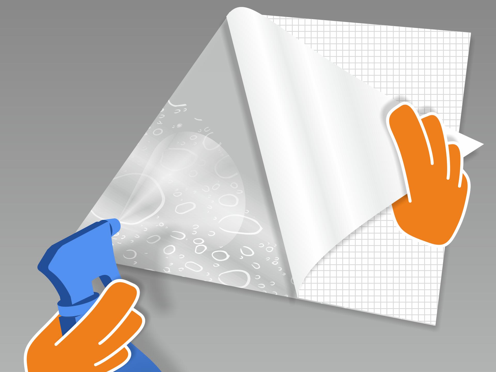 Folie auf einer glatten, sauberen Fläche mit dem Trägerpapier nach oben auslegen. Nun das Trägerpapier vorsichtig von der Folie lösen und die Klebeseite vollständig mit einem Wasser-Spülmittel-Gemisch besprühen. Montiert Ihr zu zweit? Dann kann Person 1 die Folie in der Luft halten, während Person 2 das Trägerpapier abzieht und die Klebeseite besprüht.