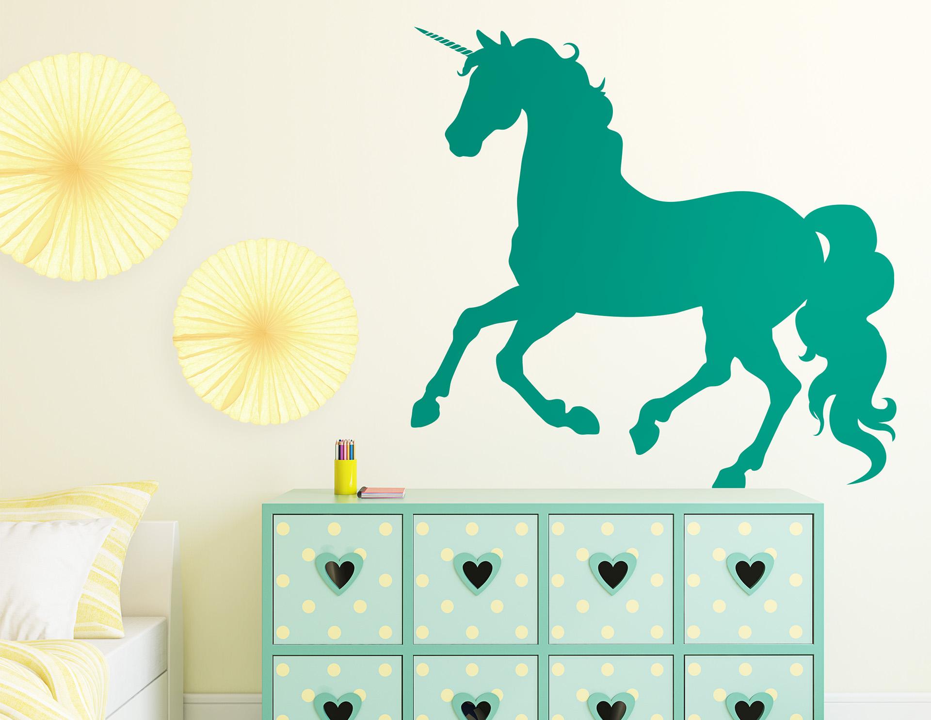 wandtattoo einhorn sternenschweif f ngt alle blicke. Black Bedroom Furniture Sets. Home Design Ideas