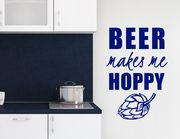"""Wandtattoo """"Make me Hoppy"""" macht Bierfreunde froh."""
