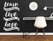"Wandtattoo mit Spruch ""Learn Live Hope"": Lerne, lebe, hoffe!"