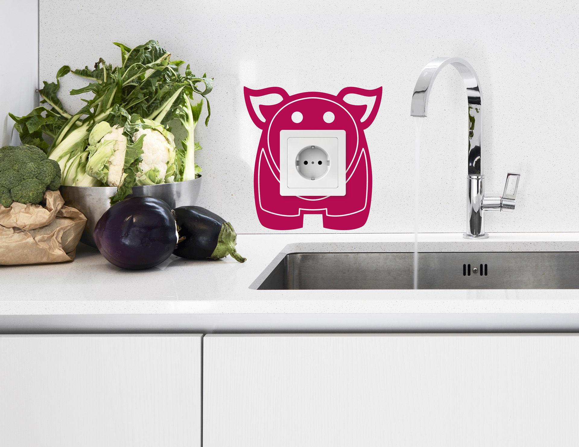 Wandtattoo Schweinchen Oink für die Steckdose
