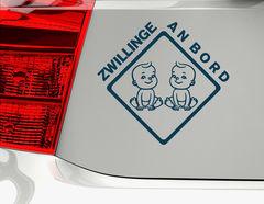 """Autoaufkleber """"Happy Boy Twins"""" mit zwei Zwillings-Jungen"""