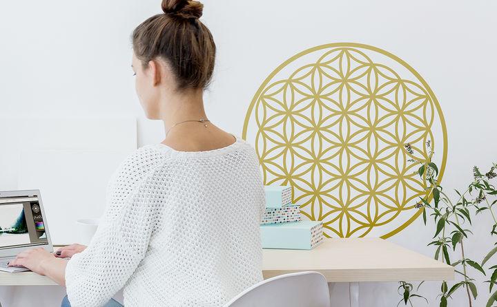 Wandtattoos mit Symbolen & Mustern sorgen für Harmonie, Ruhe und das richtige Karma