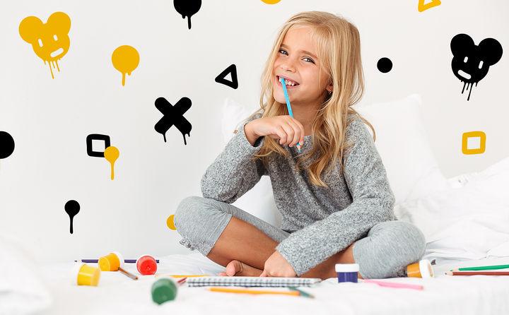 Wenn's ums Kinderzimmer geht, wissen die Kleinen genau, wie die Spielwiese aussehen soll. Wie gut, dass wir für jeden Herzensbrecher das richtige Motiv haben.